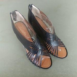 Seychelles Black Leather Multi Strap Wedge Sandal